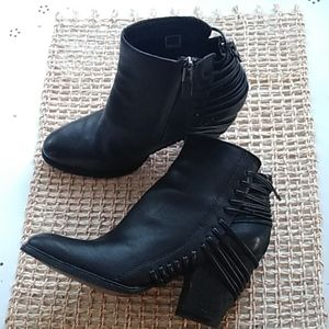 Dolce Vita zip block heel ankle black booties